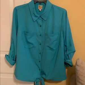 Button Up Blouse w Roll Up Sleeves